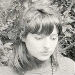 Molly Burch - aching with loss and yearning ...