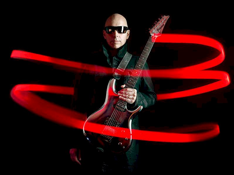 JOE SATRIANI Photo Credit © Joseph Cultice