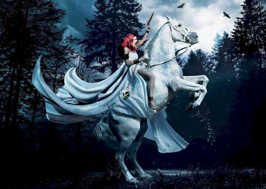 InGlorious Heroine